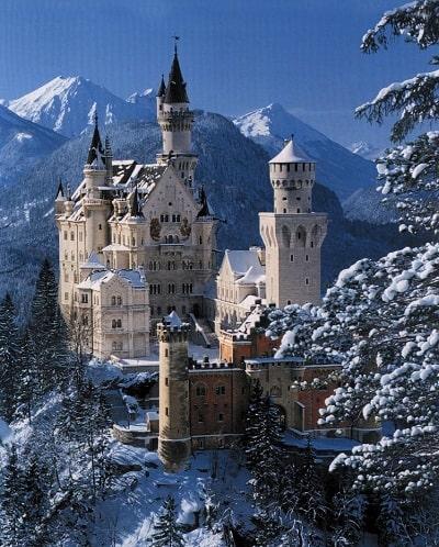 En Europa se conservan miles de palacios y castillos medievales, fortalezas para visitar.