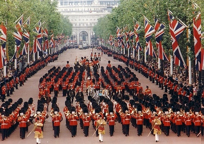 Trooping the Colour, todos los 16 de junio.