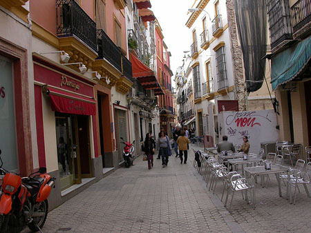La calle de las sierpes turistum - Calle correduria sevilla ...