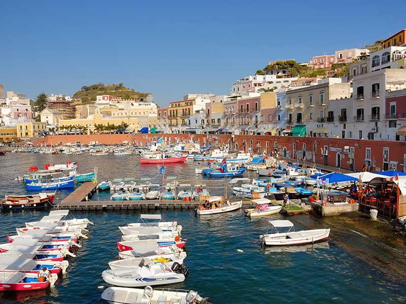 Visitar Ponza en Italia