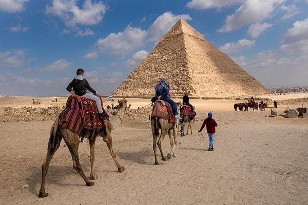 Turismo en las Pirámides de Giza